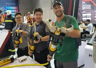 山东万博体育app最新版本携多种万博官方网站manbetx器材参加四川消防展。